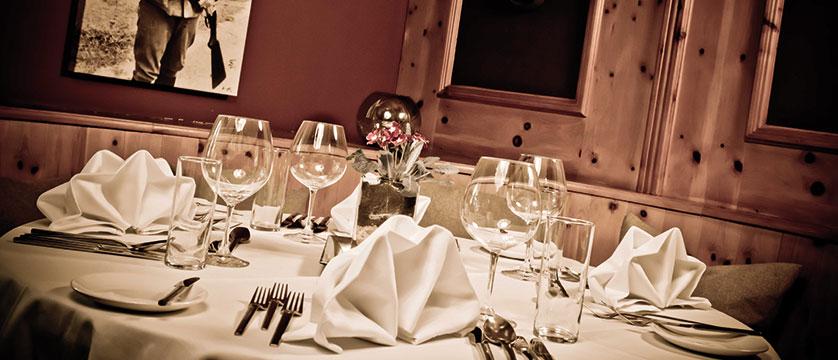 Q Hotel Maria Theresia, Kitzbühel, Austria - restaurant detail.jpg